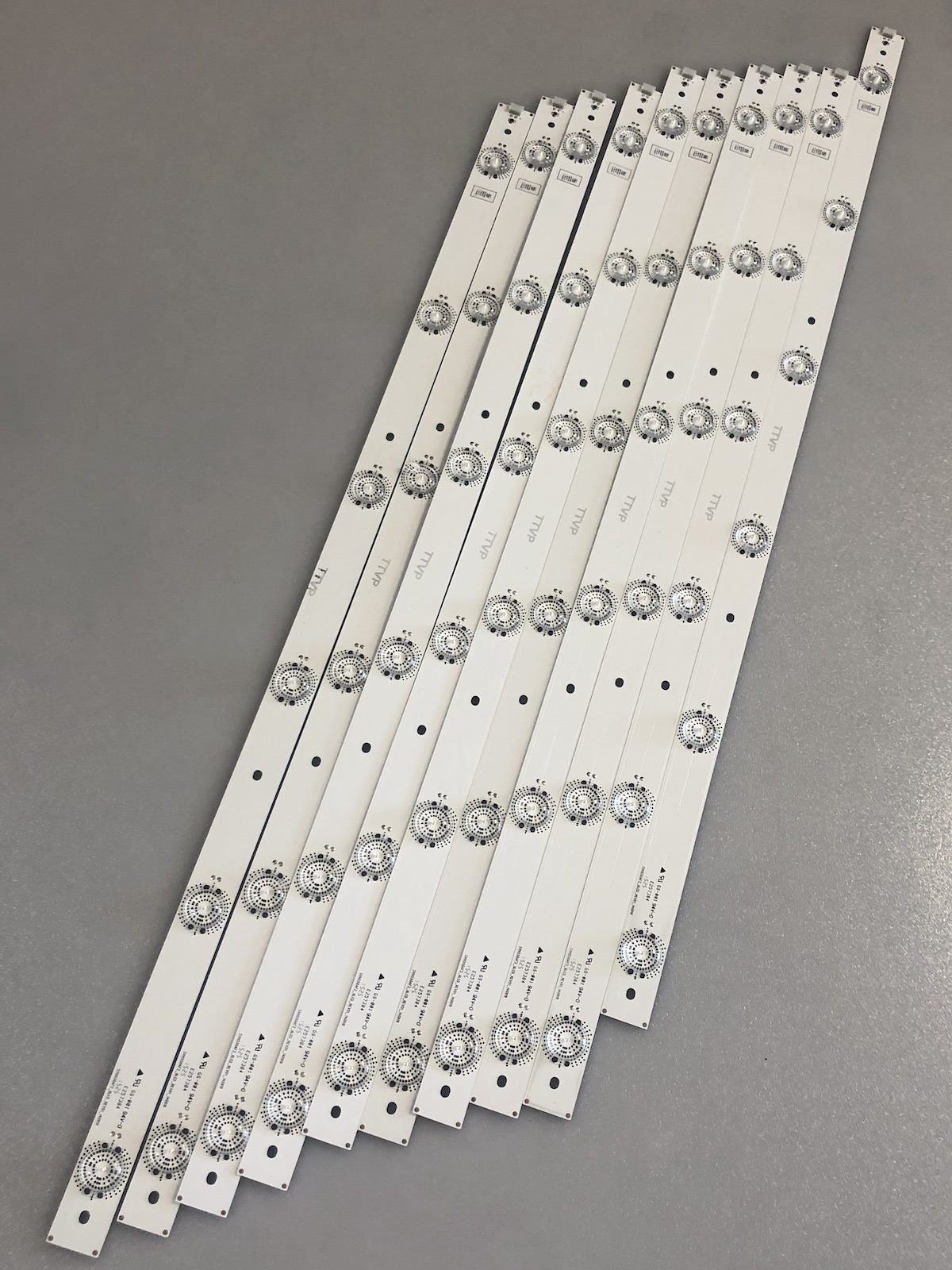 LG SVH550AF2 Led Strips for Model 55H7B